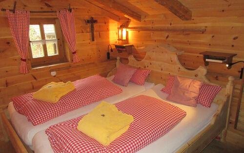 2 Almhuette Schlafzimmer Ohne