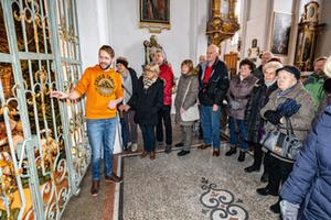 Krippenausstellung Bayern | Kripperlroas in Tittmoning – Besucherführung
