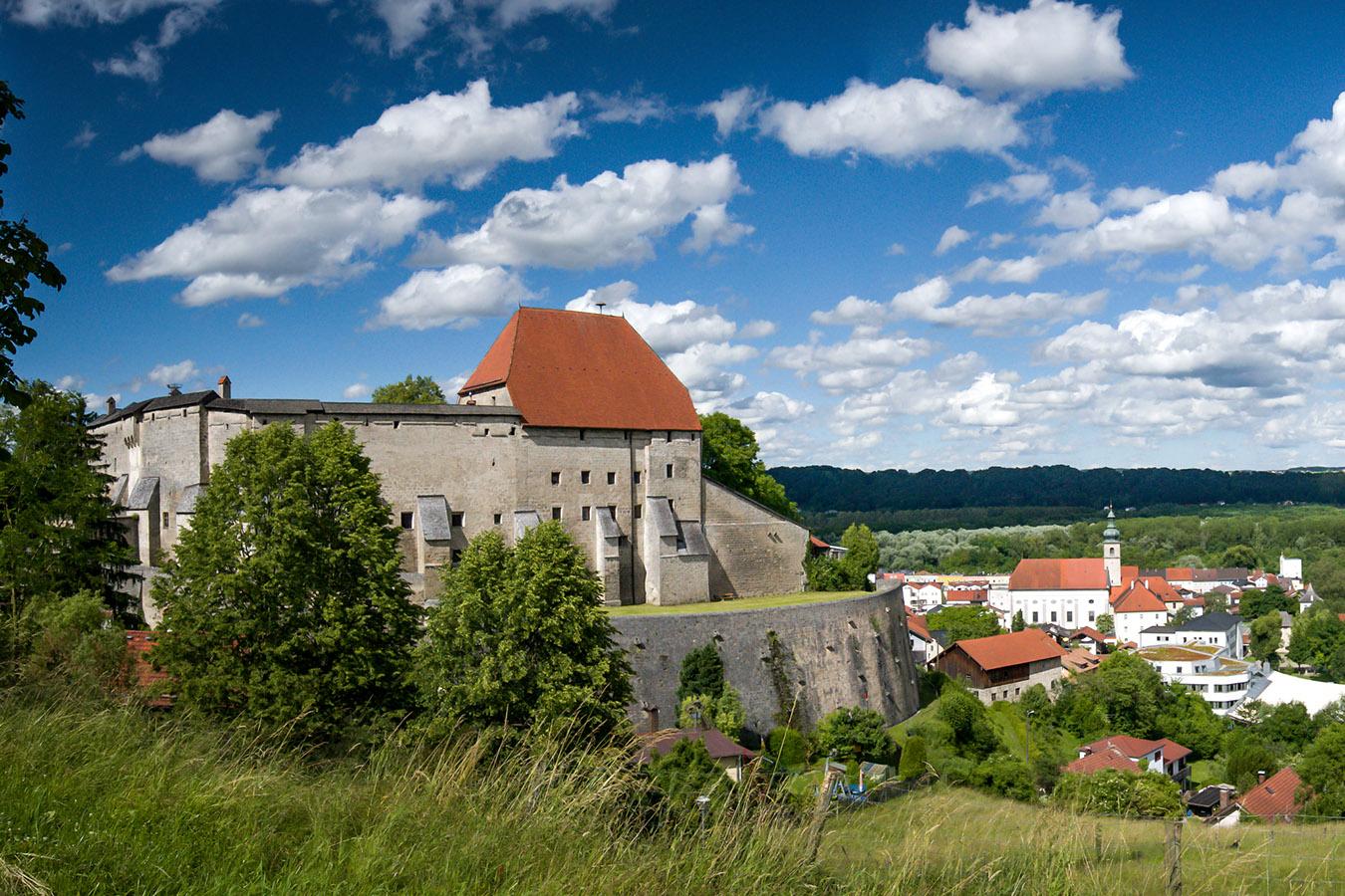 Tittmoning Burg mit Blick auf Altstadt