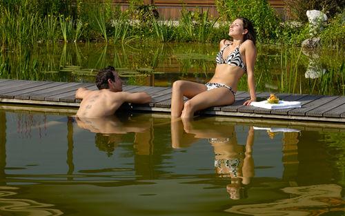 Wellnessgarten Schwimmteich